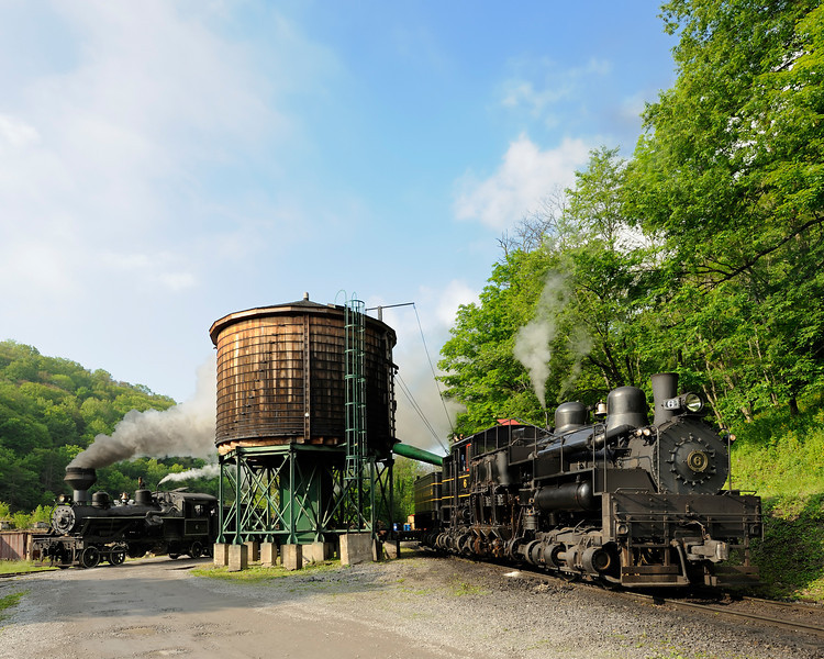 Cass Scenic Railroad 1/ 350s, at f/8 || E.Comp:-3 / 6 || 22mm || WB: CLOUDY 0. || ISO: 400 || Tone:  || Sharp:  || Camera: NIKON D700on: 2010:05:23 08:49:04