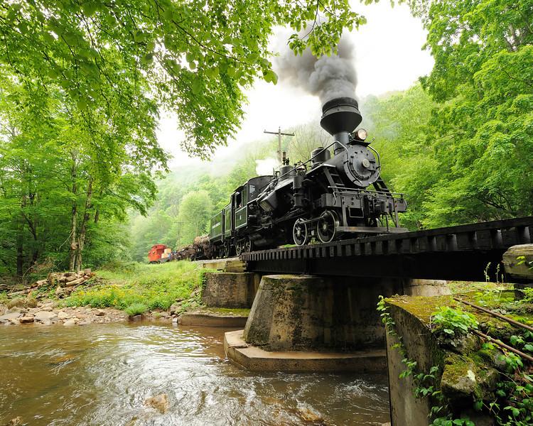 Cass Scenic Railroad 1/ 180s, at f/8 || E.Comp:0 || 16mm || WB: AUTO 0. || ISO: 1600 || Tone:  || Sharp:  || Camera: NIKON D700on: 2010:05:23 09:41:32