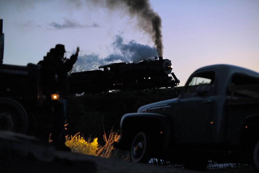 Western Maryland Scenic Railroad 1/ 125s, at f/3.3 || E.Comp:0 || 116mm || WB: AUTO 0. || ISO: 3200 || Tone:  || Sharp:  || Camera: NIKON D700on: 2013:10:21 18:52:57