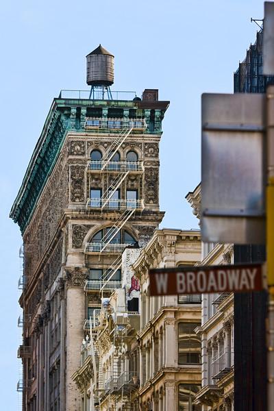 SoHo  Photographing New York City. http://amzn.to/dfgnyc