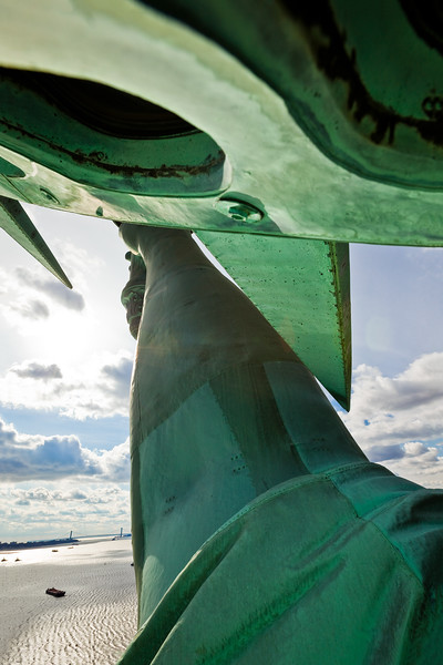 Statue of Liberty  Photographing New York City. http://amzn.to/dfgnyc