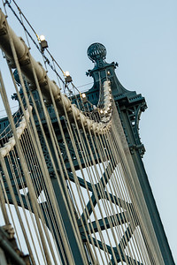 Manhattan Bridge  Photographing New York City. http://amzn.to/dfgnyc