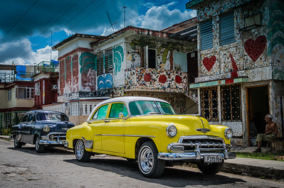 Classic Car in front of home in Havana