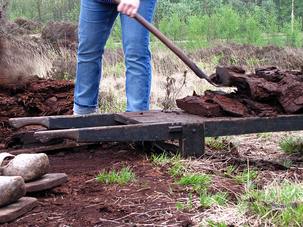 PEAT CUTTING Grossefehn (4)
