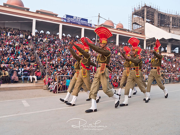 Marching towards the common gate between India and Pakistan