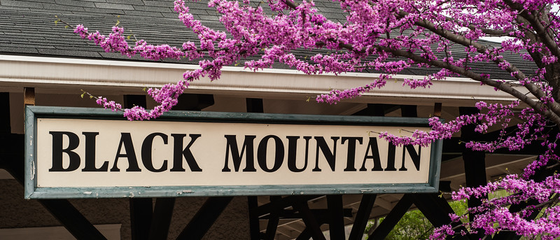 Black Mountain Sign