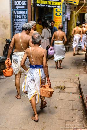 Hindhi in Varanasi