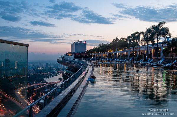 Rooftop pool, Marina Bay Sands