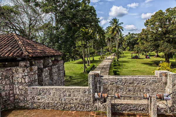 A tour of Castillo de Sanfelipe (old spanish fort)