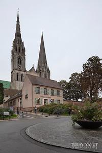 SW approach to Cathédrale Notre-Dame de Chartres