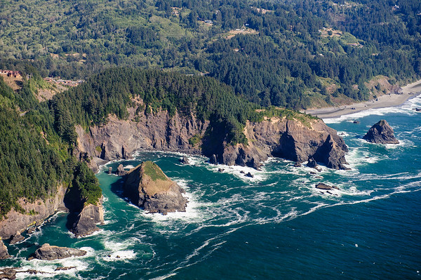 Rugged Oregon Coastline between Eureka-Gold Beach