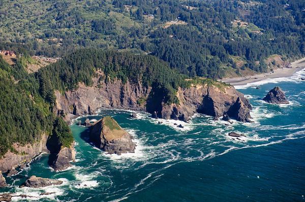 Rugged Oregon Coastline between Eureka-Gold Beach