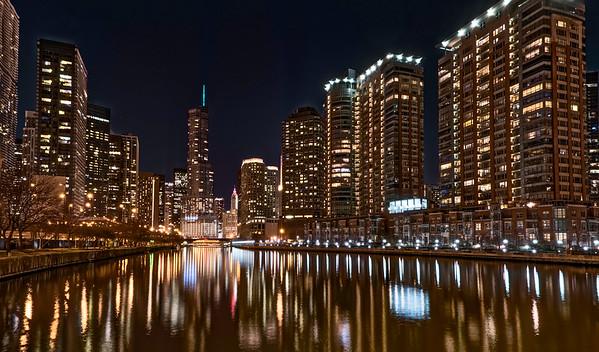 Chicago River cityscape