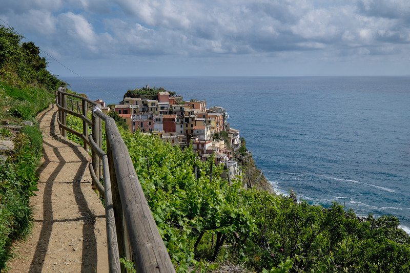 Walking to Manarola