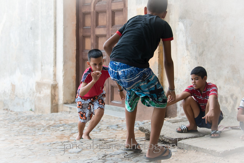 kids on the streets of Trinidad