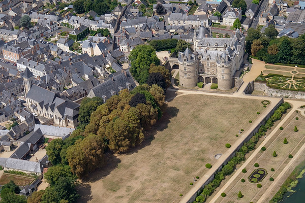 Château de Lude from 500 feet