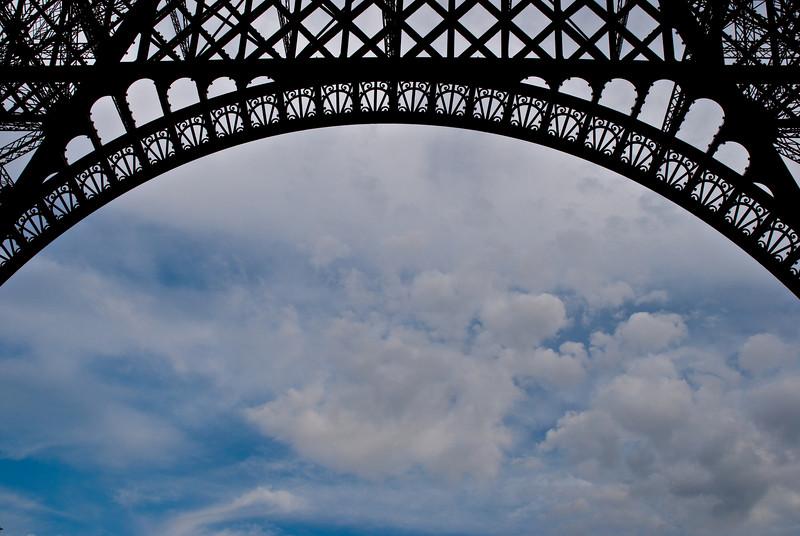 Le Tour Eiffel Paris, France — May 2009