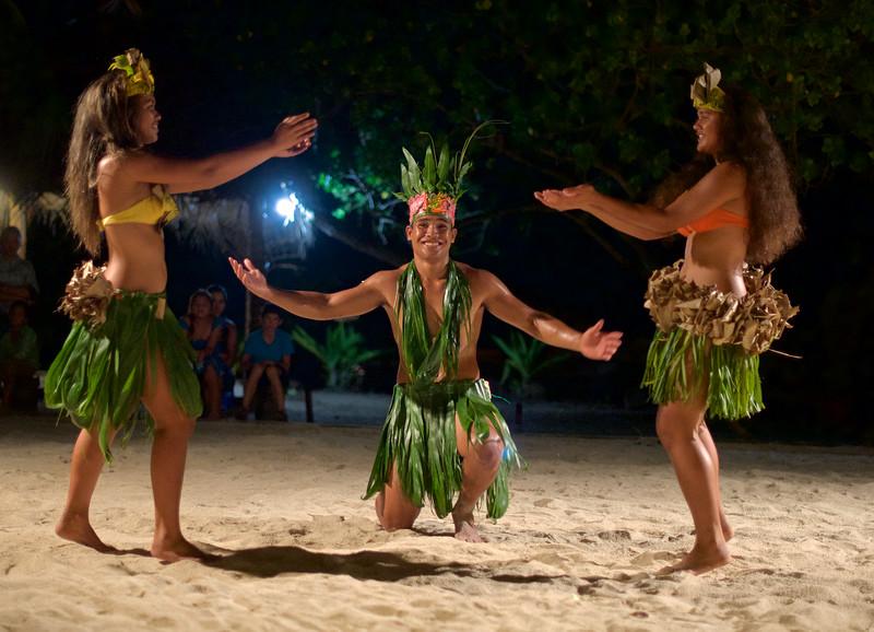 Dancers at Le Ficus