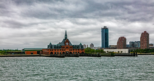 Hudson River; New York; New York City; Terminal Building; USA