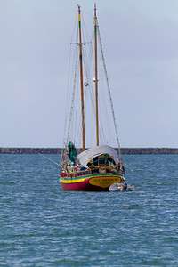 Hilo Harbor Boad IMG_0263