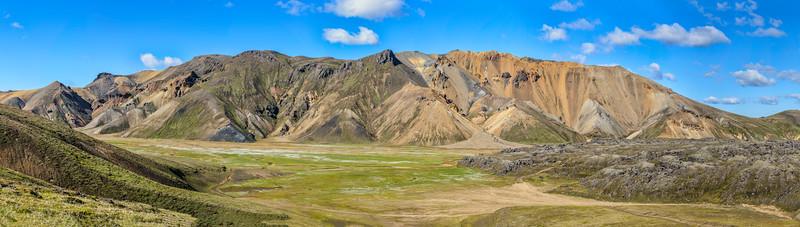 2Vista over Landmannalaugar, Iceland