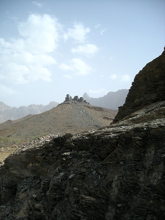 on the road between Jabal Shams and Muscat