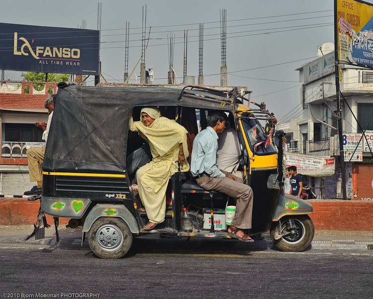 Fitting 10 people in an auto rickshaw