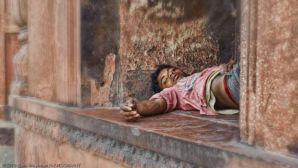 Resting at Jami Masjid mosque in Delhi