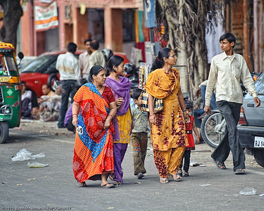 Family shopping in Jaipur