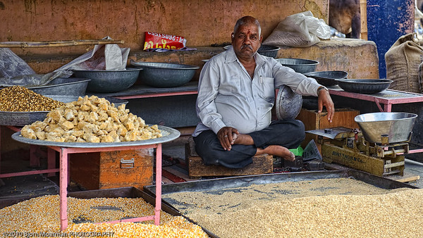 Selling cereals in Jaipur