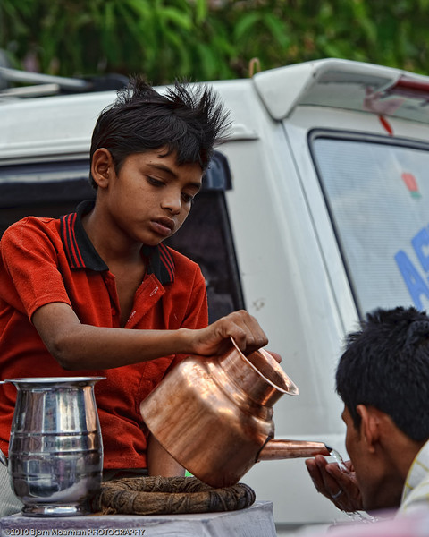 Distributing drinking water in Jaipur