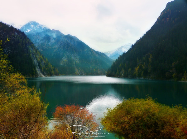 Long Lake - It is the highest, largest and deepest lake in Jiuzhaigou, measuring 7.5 km in length and up to 103 m in depth. It reportedly has no outgoing waterways, getting its water from snowmelt and losing it from seepage. Local folklore features a monster in its depths.