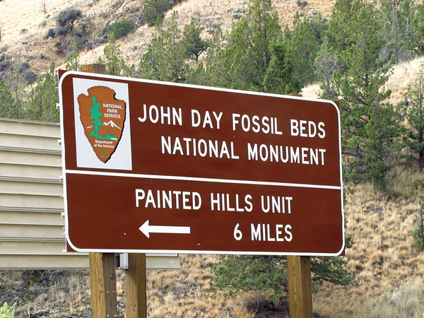 John Day Fossil Beds National Monument, Oregon (Painted Hills Unit) (2)