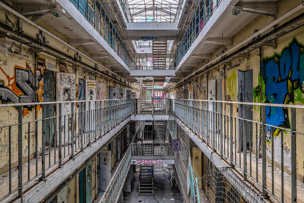 Prison break - Loos, Lille (France)