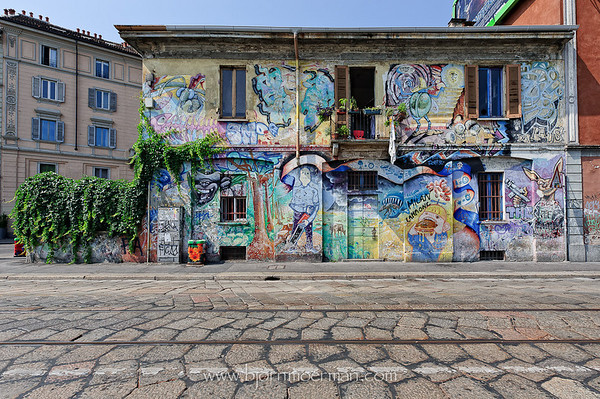 Street graffiti in Milano