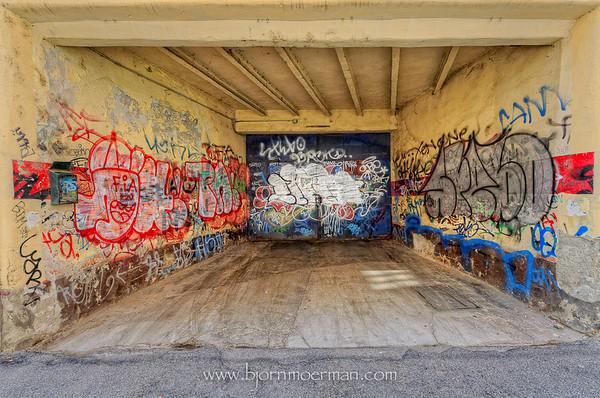 Graffiti garage in Milano