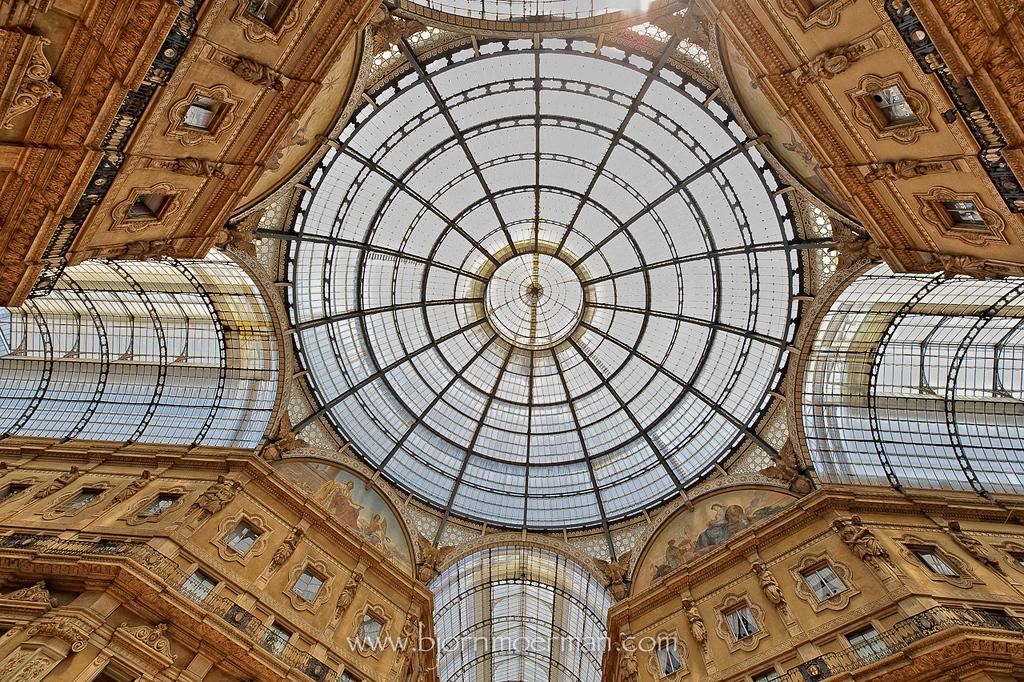 Galleria Vittoria Emanuele II at Duomo, Milano
