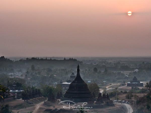 Sunset at Discovery View (North of Ratanabon Pagada).