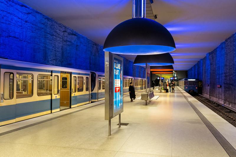 Westfriedhof metro station