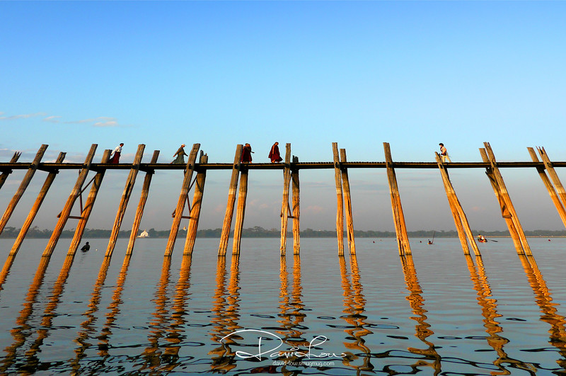 U-Bein Bridge (Mandalay) - Nicely built structure to be photographed but surely its a bad design as any fall will be fatal due to omission of railings.