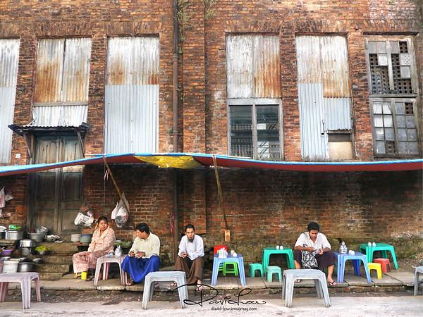 Roadside coffee in Yangon