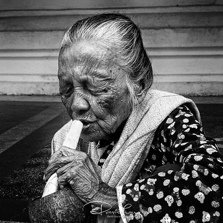Cheroot smoker