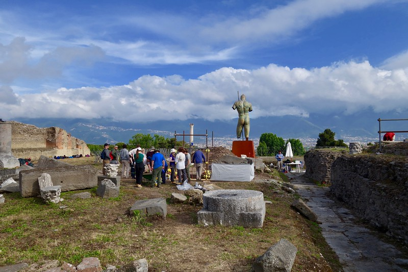excavations continue at Pompeii
