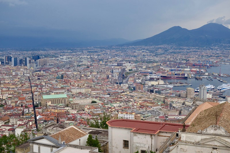 Napoli, with Mt. Vesuvius