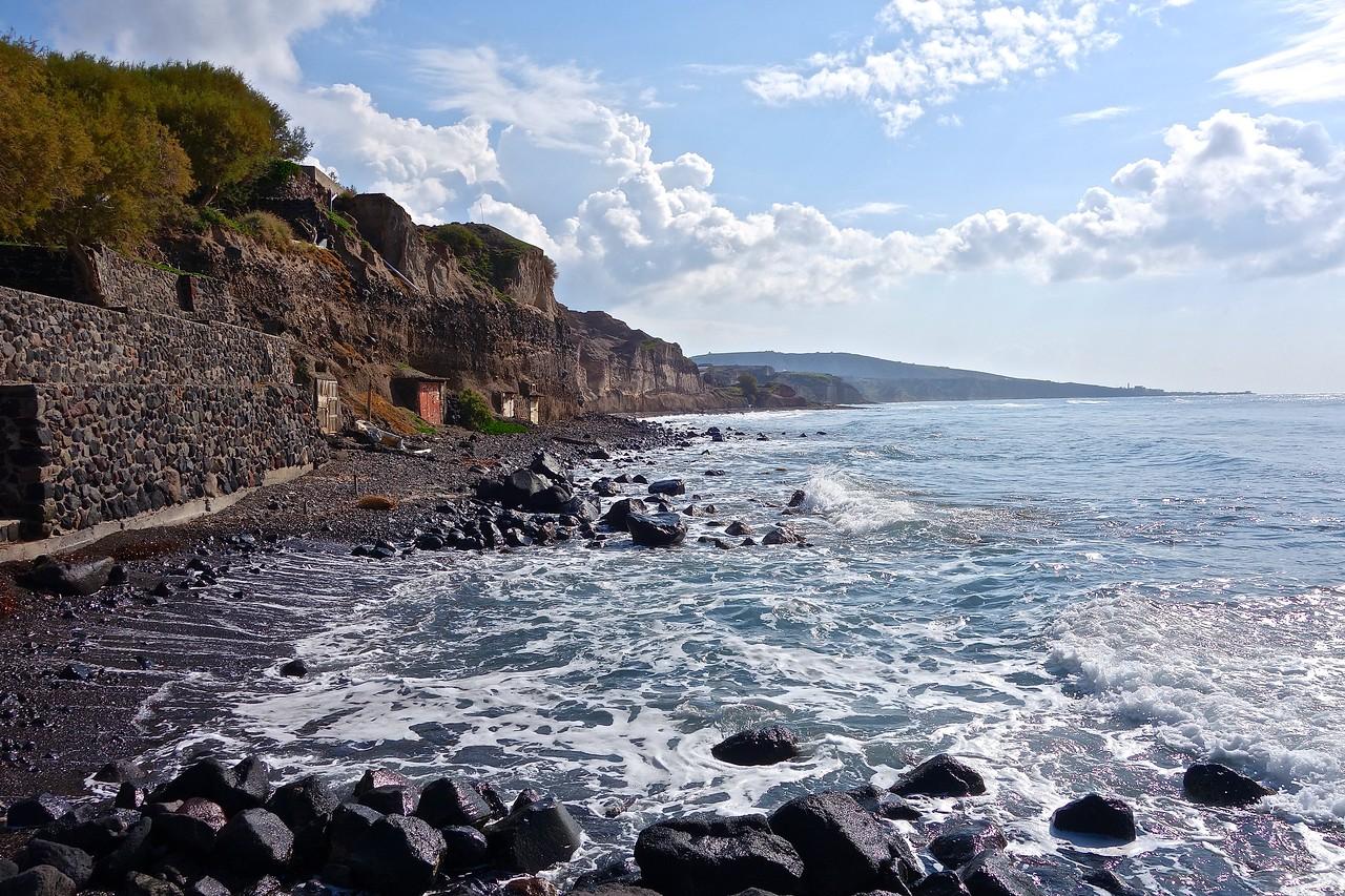coastline by Akrotiri archeological site