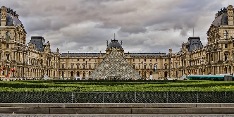 Louvre-2.jpg