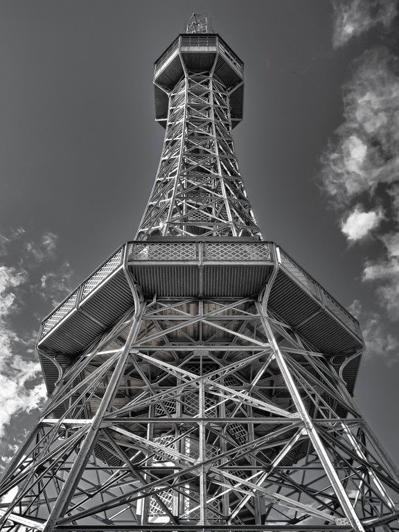 2011 Pic(k) of the week 26: Prague's Eiffel Tower