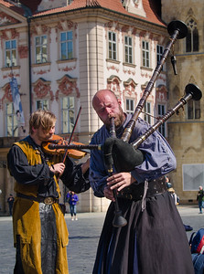 Street Performers, Old Town Square