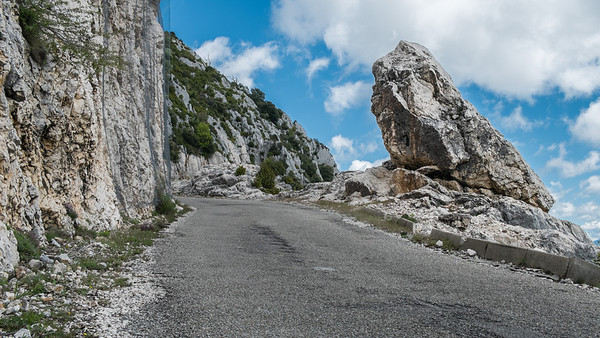 Winding roads of on top of the Gorges du Verdon