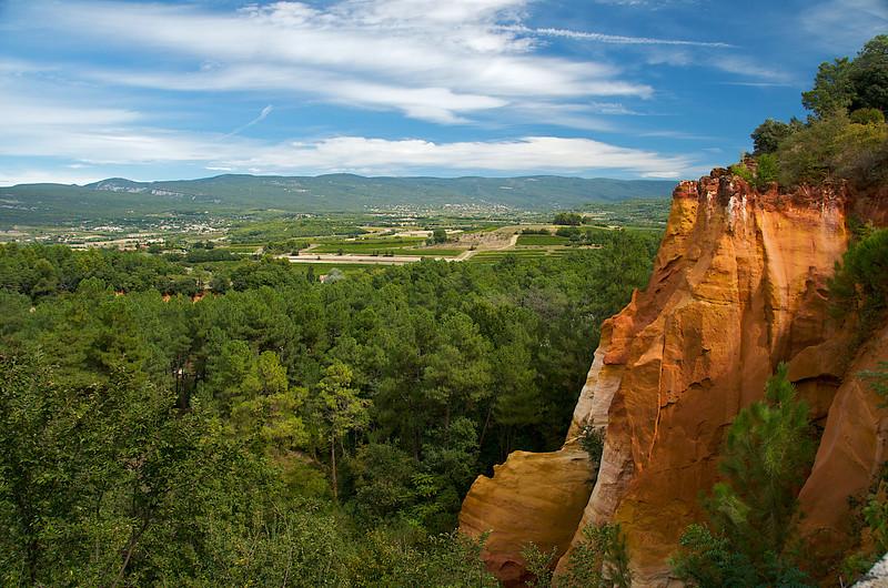 Ochre cliff near Roussillon